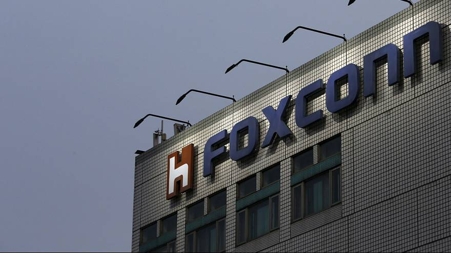 Foxconn to take over Sharp for reduced price