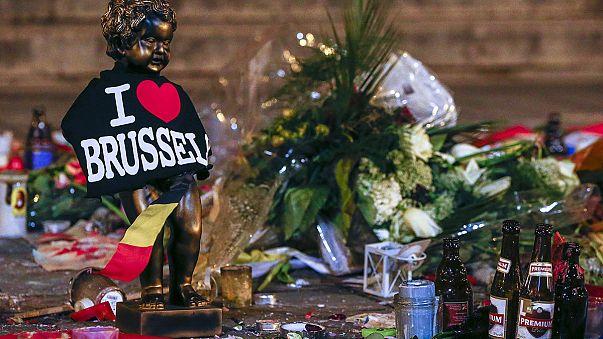 'La nueva normalidad' de Europa tras los atentados y el 'robot hooligan' de Microsoft
