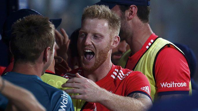 Джейсон Рой вывел Англию в финал Кубка мира по крикету