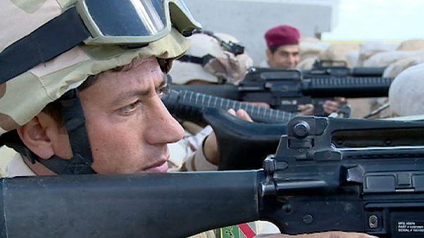 L'armée irakienne et les peshmergas se préparent avant de prendre d'assaut Mossoul