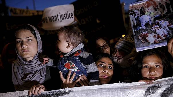 Athens protesters chant 'open the borders' ahead of migrant returns