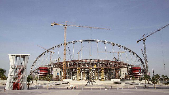 «Международная амнистия»: Катар готовится к ЧМ-2022, нарушая права рабочих