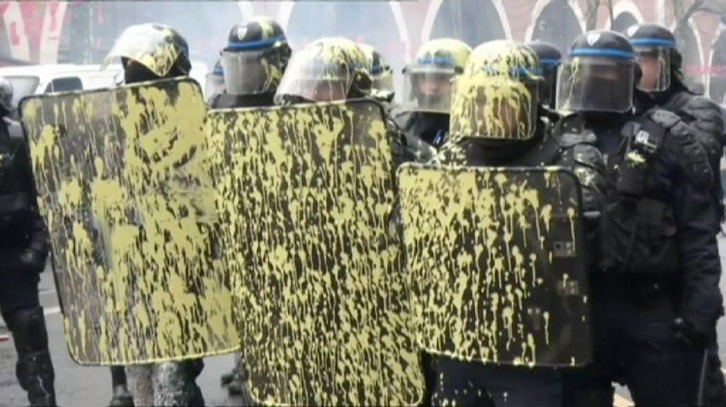 Streik in Frankreich, gewalttätige Auseinandersetzungen in vielen Städten