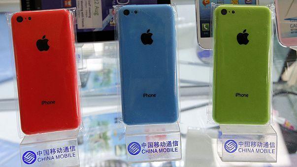 Az FBI további iPhone-okat tör fel