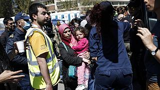Le renvoi de réfugiés de Grèce vers la Turquie doit débuter lundi