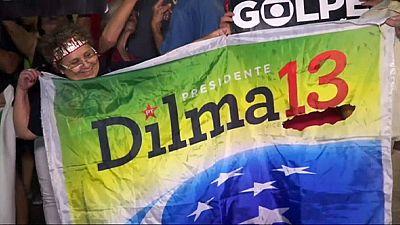 Río de Janeiro se tiñe de rojo para apoyar a Dilma Rousseff