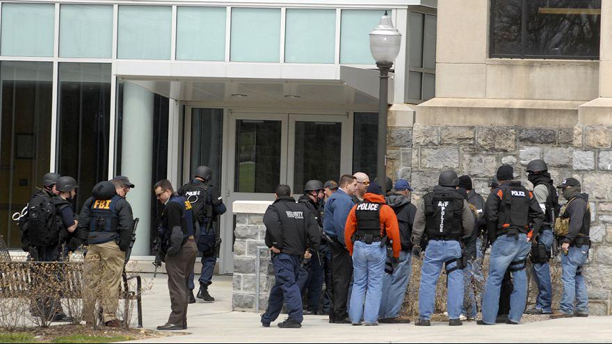 مقتل شرطي ومدني إثر تبادل لإطلاق النار في ولاية فرجينيا بالولايات المتحدة الأمريكية