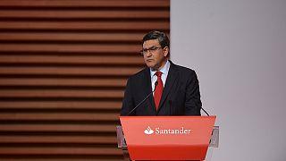 مصرف سانتاندار ينوي اغلاق فروع له في اسبانيا