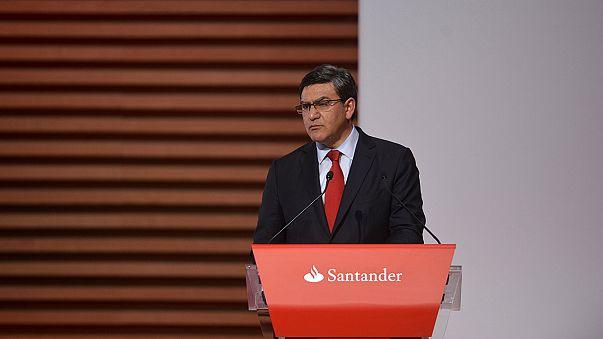 """""""Цифровая оптимизация"""" в Santander: банк закроет 450 отделений"""