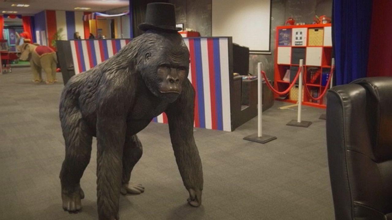 Empresa britânica decora escritório como se fosse um circo