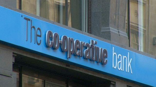 كوبيراتيف بنك يسجل خسائر معتبرة في بريطانيا