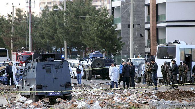 Ответственность за теракт в Диярбакыре взяли на себя курдские боевики