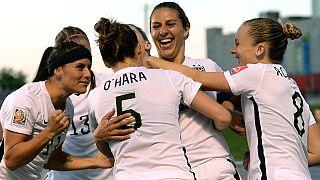 لاعبات أمريكيات في كرة القدم رفعن قضية ضد الاتحاد الكروي الامريكي بسبب التمييز في الأجور بين الذكور و الايناث