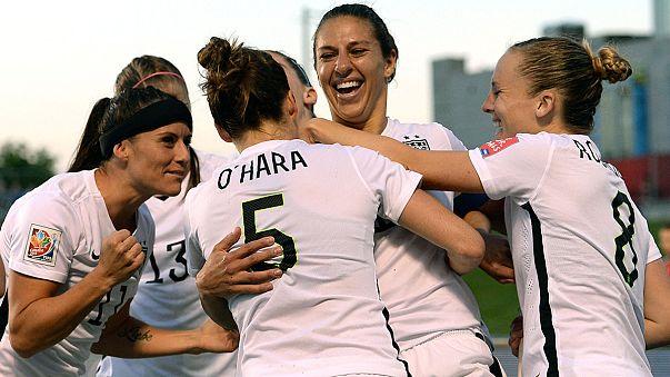 Women's US football team file wage complaint