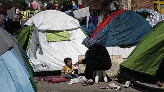 Migrantes: Amnistia Internacional acusa Turquia de reenviar refugiados para a Síria