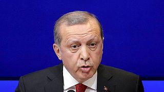 Erdogan-Video vom ZDF gelöscht: Ist Böhmermanns Gedicht rassistisch?