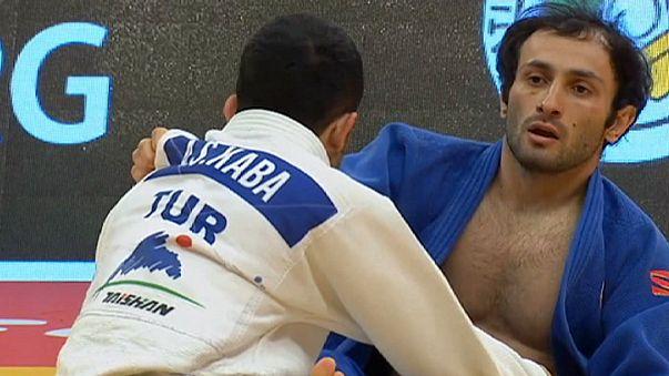 Los judocas turcos brillan en el primer día del Gran Premio de Samsun