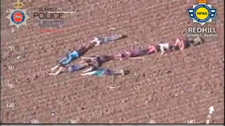 Children help police capture suspects on the run in the most ingenious way