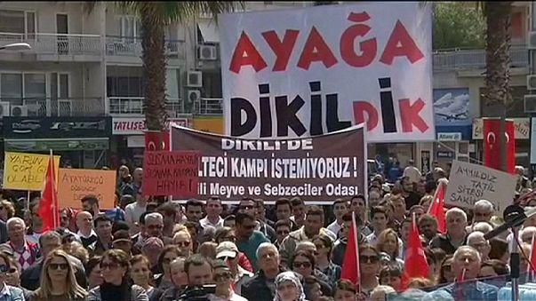 Dikili'de mülteci kampı protestosu