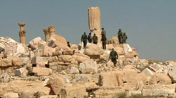 Palmira'da IŞİD vahşeti: 42 cesede ait toplu mezar bulundu