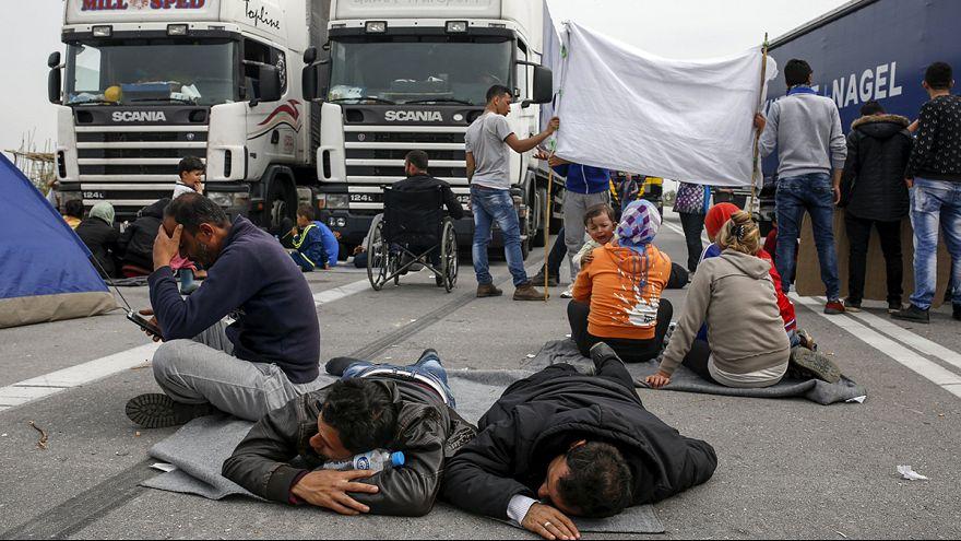 Yunanistan ve Türkiye'de mülteci protestosu