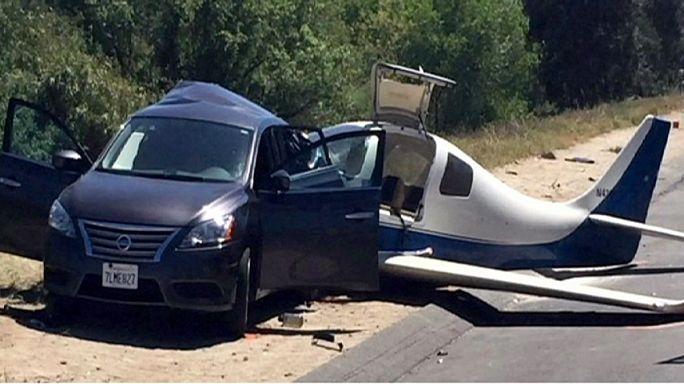 ABD'de otomobile uçak çarptı