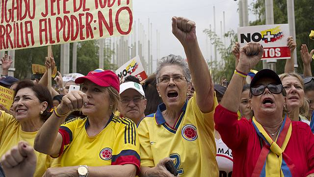Колумбия: президента обвиняют в потакании повстанцам