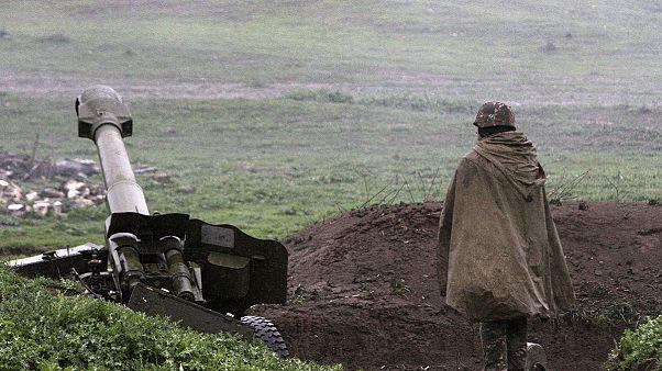 Ναγκόρνο - Καραμπάχ: Συνεχίζονται οι εχθροπραξίες παρά την κατάπαυση του πυρός