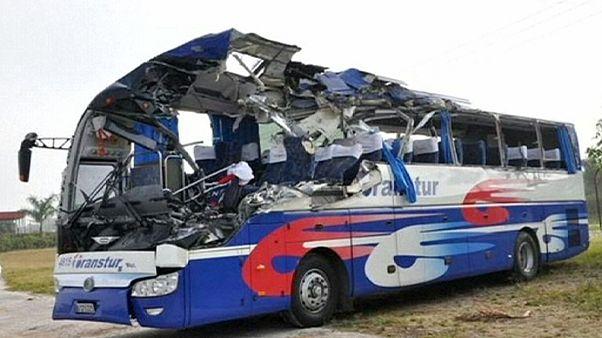 Cuba: dois mortos em colisão de autocarro com turistas alemães e austríacos
