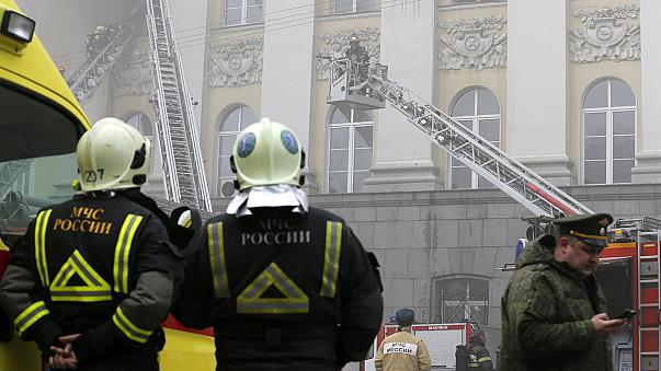 Incendio en un edificio del ministerio de Defensa ruso en Moscú