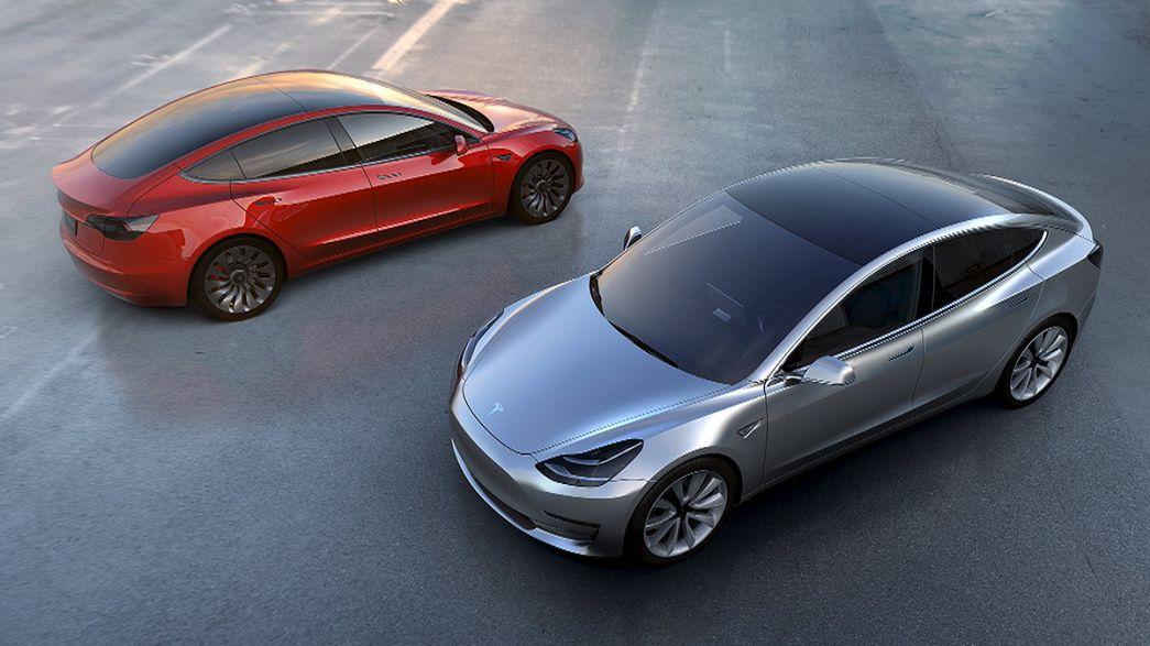 Pre-orders for Tesla's Model 3 at 276,000