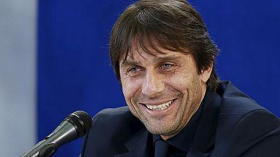 Football : Antonio Conte signe à Chelsea