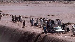 53 قتيلا و60 جريحا ضحايا الأمطار الغزيرة في شمال غرب باكستان