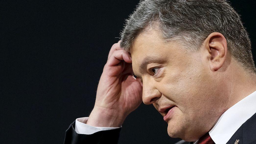 Le président ukrainien Petro Porochenko affirme respecter la loi