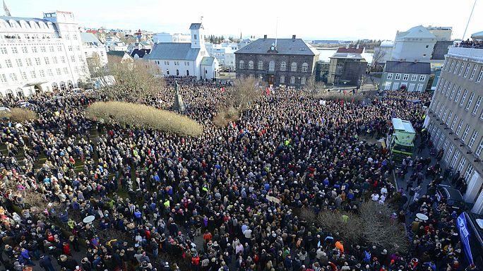 A kormányfő lemondását követelték izlandi tüntetők