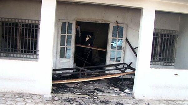 Milhares fogem de Brazzavile depois de ataques contra edifícios oficiais