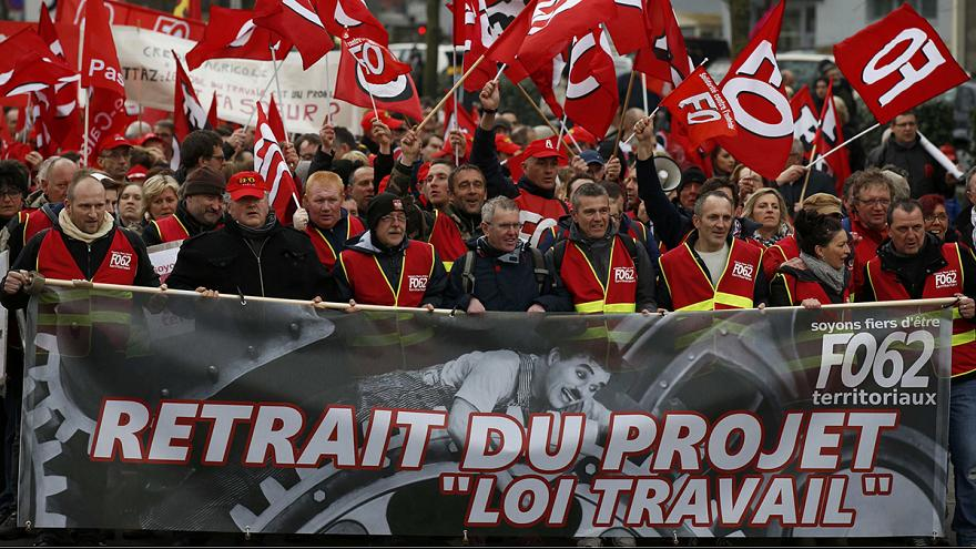 French students protest over labour reforms