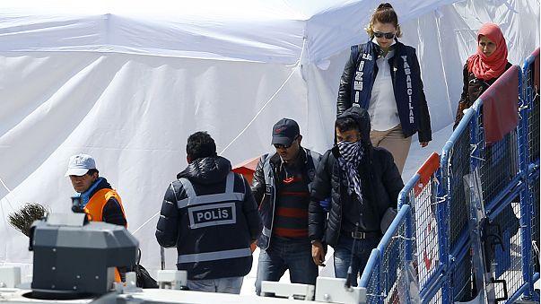 Yunanistan gelen mülteciler ne yapıyor?
