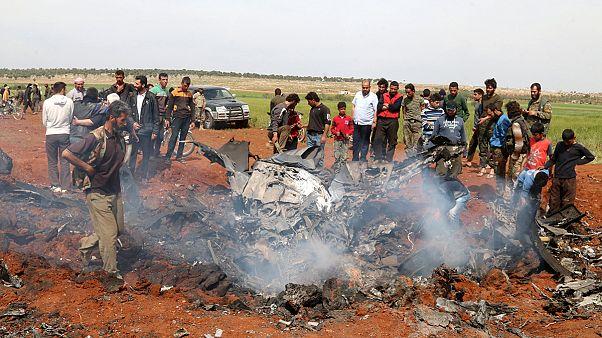 Lázadók lőtték le a szír légierő egyik gépét