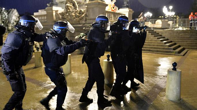 Bordeaux carries out mock terrorist attack ahead of Euro 2016