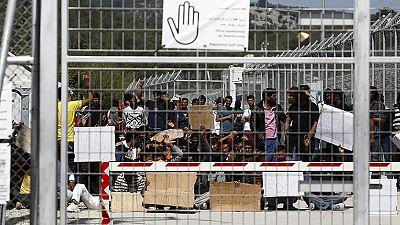 EU reviews asylum rules in response to migrant crisis