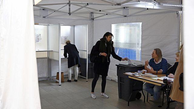 Outcome of Dutch vote on EU-Ukraine deal 'too close to call'