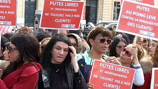 Francia multará con 1500 euros a los clientes de las prostitutas