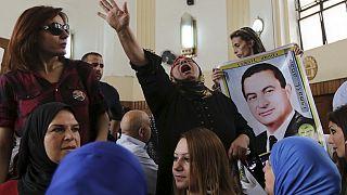 Mubarak trial adjourned again, Egyptians impatient