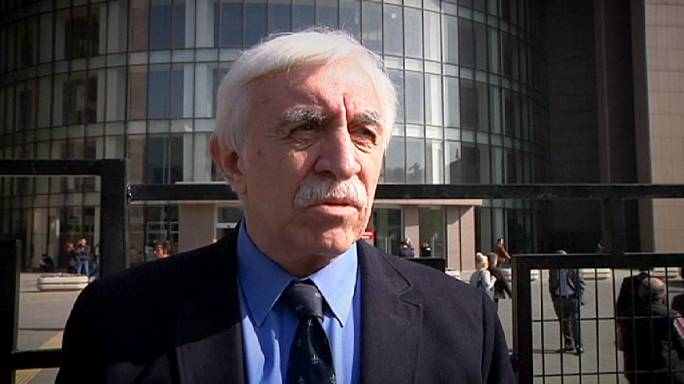Turkish journalist Cengiz Çandar in court for 'insulting' President Erdoğan