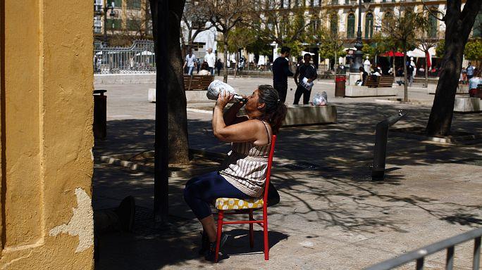 Is Spain really abandoning its siestas?