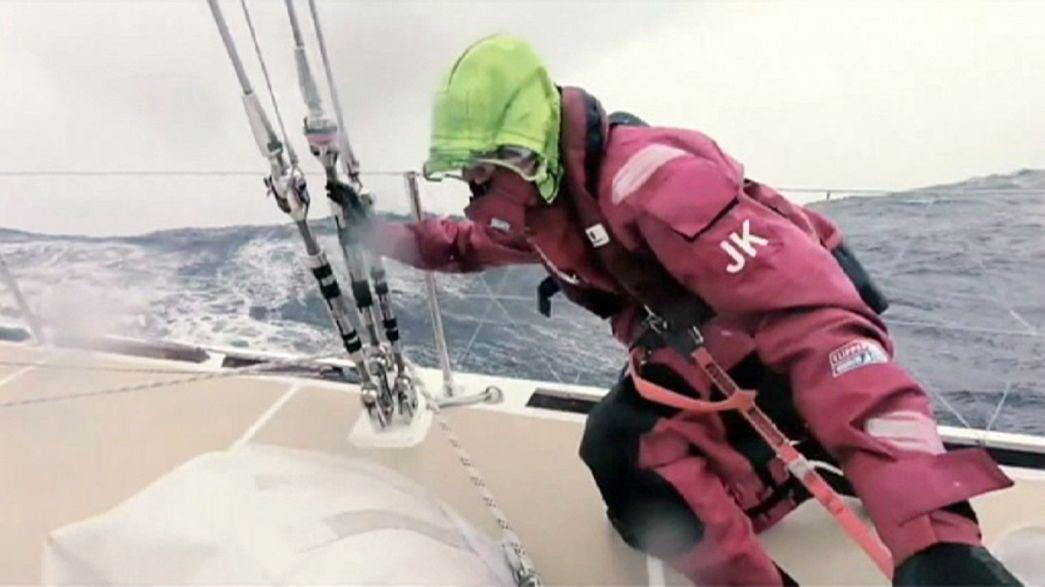 """Участники кругосветки на """"Клиперах"""" сражаются со штормами в Тихом океане"""