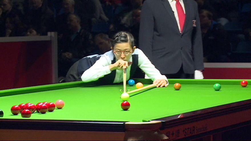Нгон Йи сыграла с мужчинами в снукер на чемпионате мира
