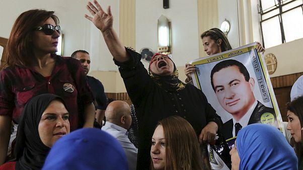 """Egitto: Mubarak non può comparire in aula """"a causa del traffico"""", rinviato processo"""
