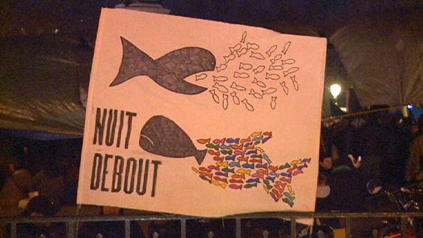 """Prolongam-se as """"Nuit Debout"""" em Paris"""